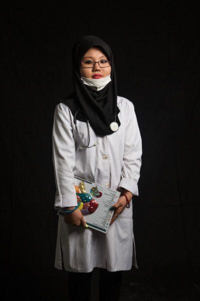 Fatemeh Parvani in a lab coat